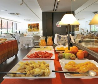 Buffet Breakfast Vincci Soma  Madrid
